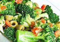 Диетический салат из брокколи