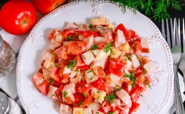 Низкокалорийный салат с курицей