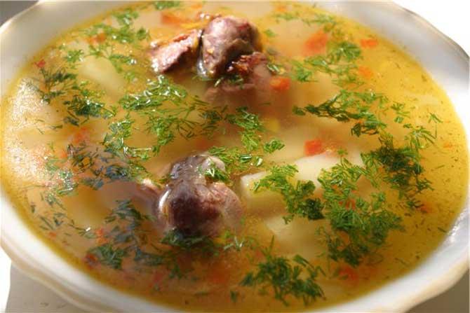 суп с куриной печенью и лапшой